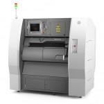 金属粉末に一層ずつレーザーを照射し焼結させるDMP (Direct Metal Printing)方式の装置です。